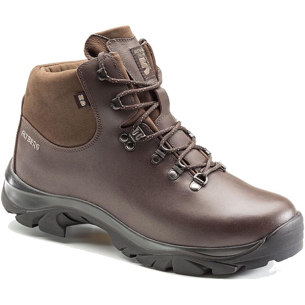 photo: Altberg Fremington Walking Boot hiking boot
