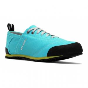 photo: evolv Women's Cruzer approach shoe