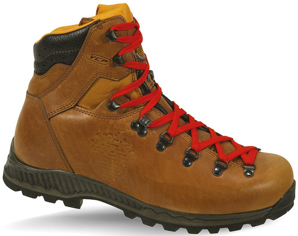 photo: Alpina Ladakh Classic backpacking boot
