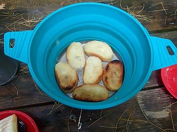 bread-in-pot.jpg
