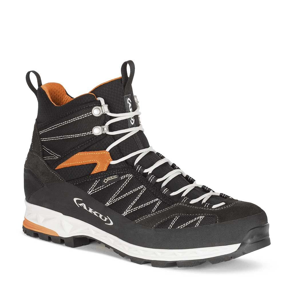 photo: AKU Tengu Lite GTX backpacking boot