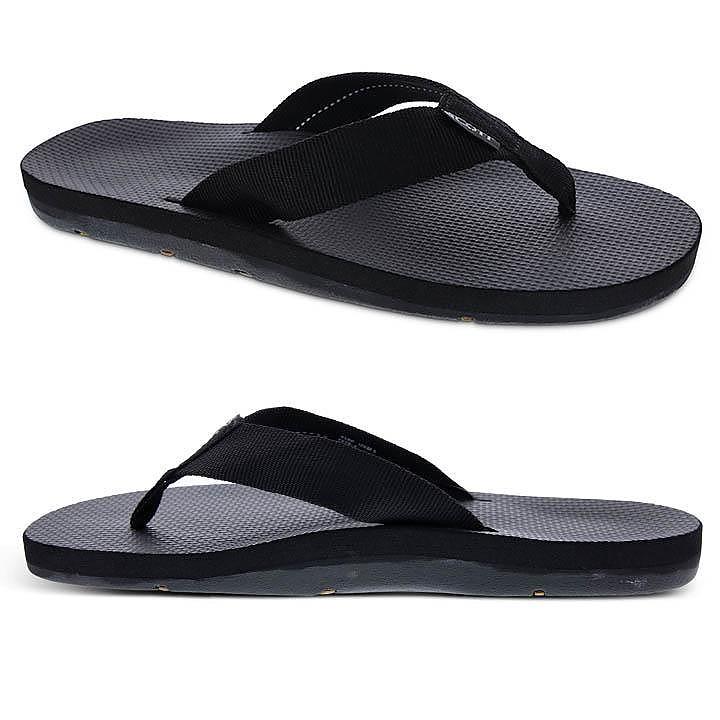photo: Scott Hawaii Makaha flip-flop