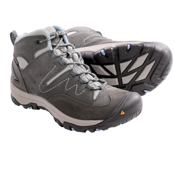 photo: Keen Susanville Mid hiking boot