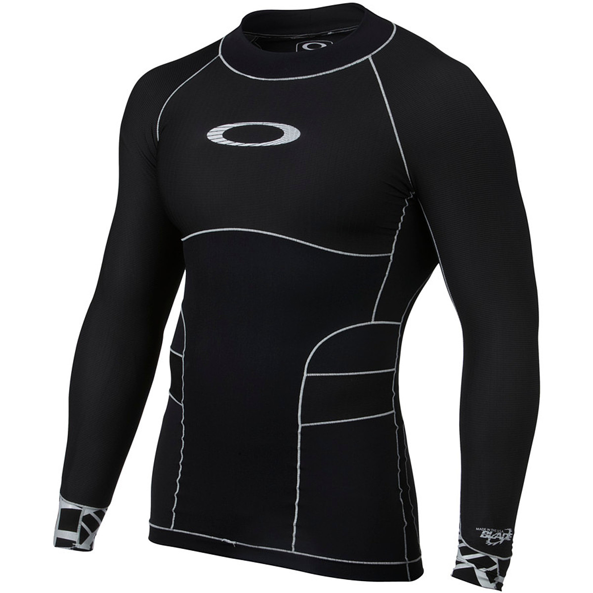 photo of a Oakley paddling apparel