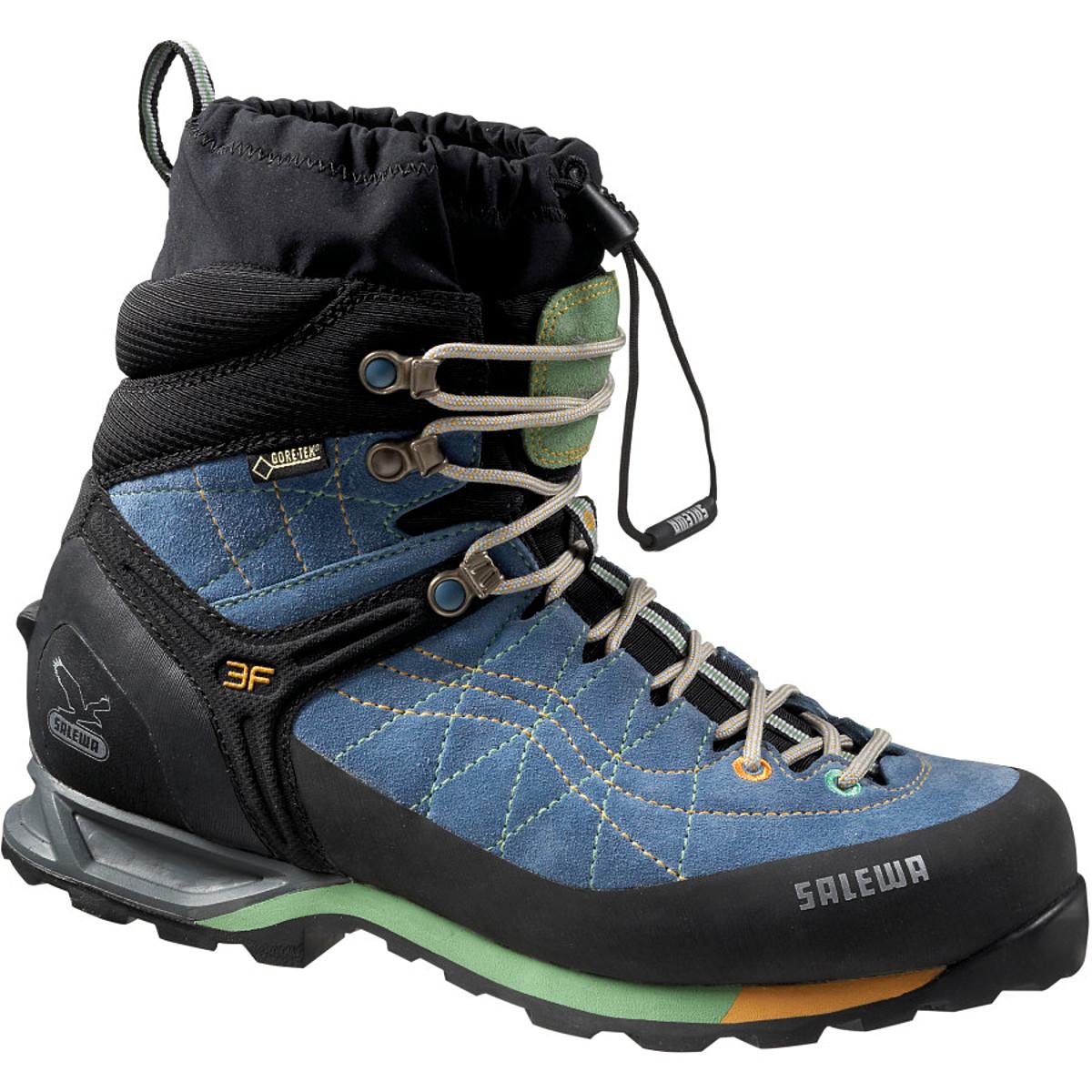 photo: Salewa Women's Snow Trainer Insulated GTX winter boot