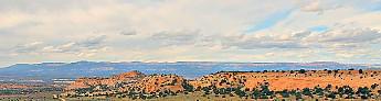 IMG_0943-Bryce-Canyon-on-the-horizon-rim