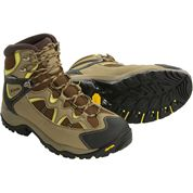 photo: Columbia Men's Laman Peak Omni-Tech backpacking boot