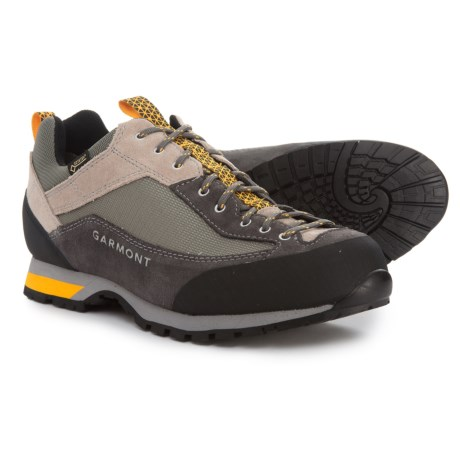 photo: Garmont Women's Sticky Weekend approach shoe