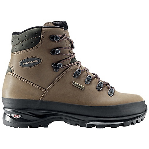 photo: Lowa Ranger GTX hiking boot