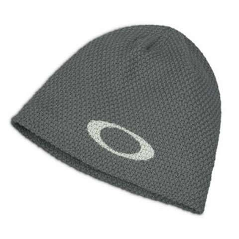 photo: Oakley Icon Hand Knit Beanie winter hat