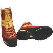 photo: Scarpa Cumbre mountaineering boot