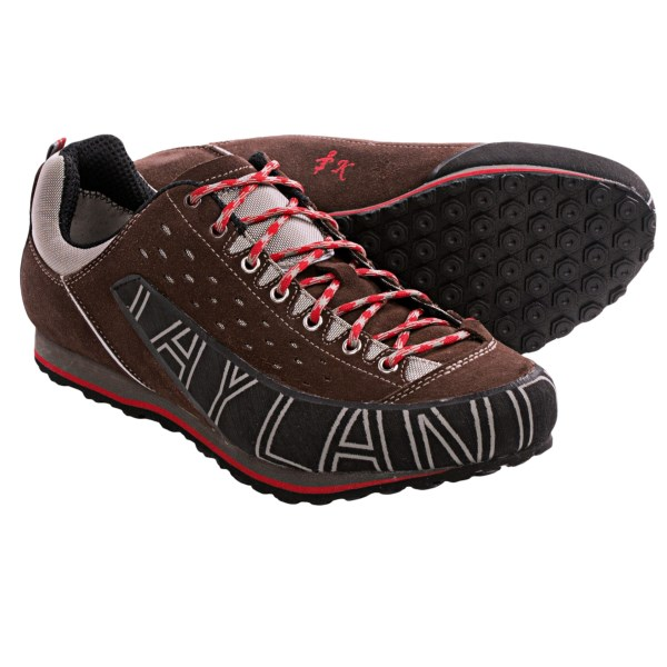 photo: Kayland Men's Comet approach shoe