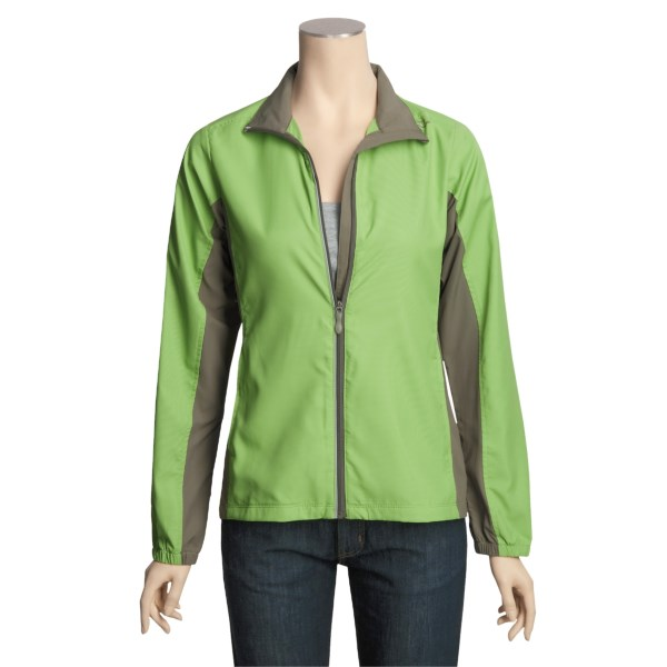 photo: Saucony Women's MicroCheq LX Jacket soft shell jacket