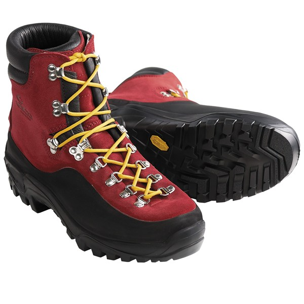 photo: Alico Cortina backpacking boot