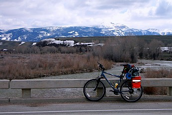 Bike-Touring-in-Jackson-Hole-with-the-Sl