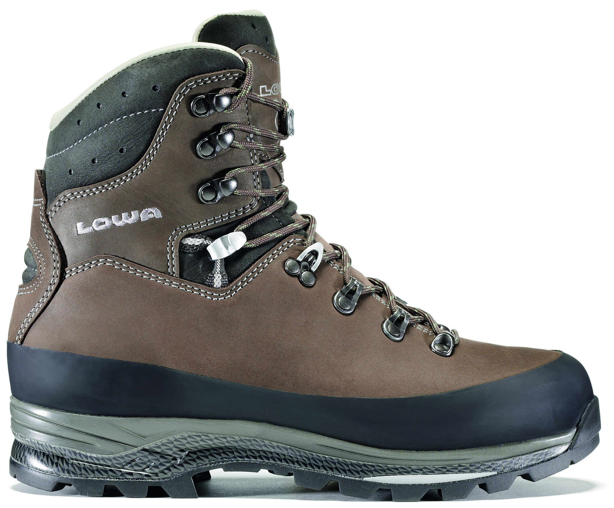 photo: Lowa Tibet LL backpacking boot