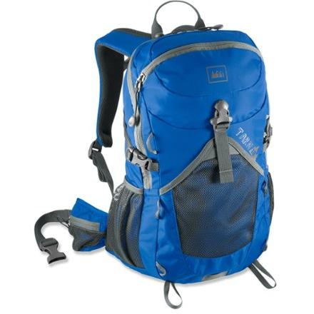 photo: REI Tarn 18 daypack (under 2,000 cu in)