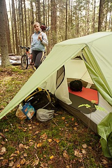 The tent is freestanding but you can always abandon this feature by leaving two bottom cross-poles at home saving additional 200 grams (7 oz). : hoop tent - memphite.com