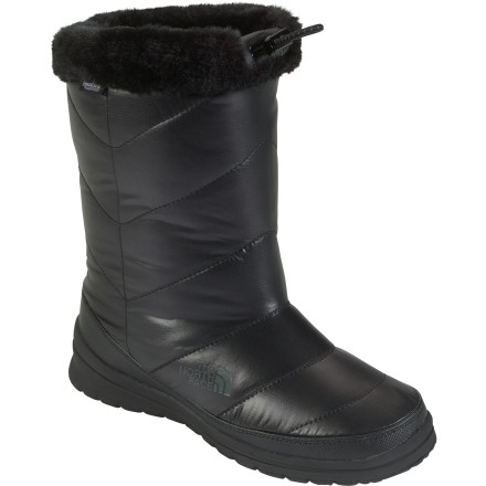 photo: The North Face Skylla Waterproof Boot winter boot