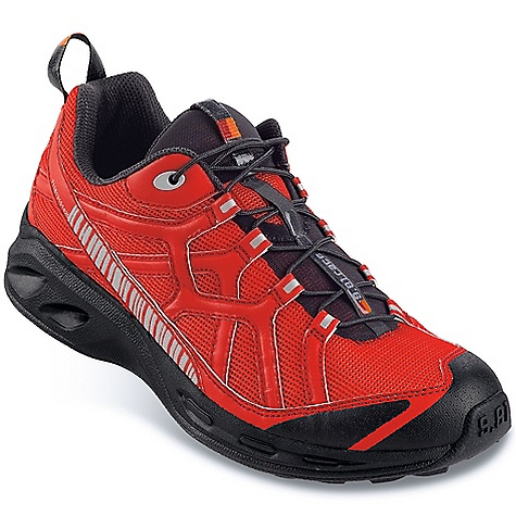 photo: Garmont 9.81 Race trail running shoe