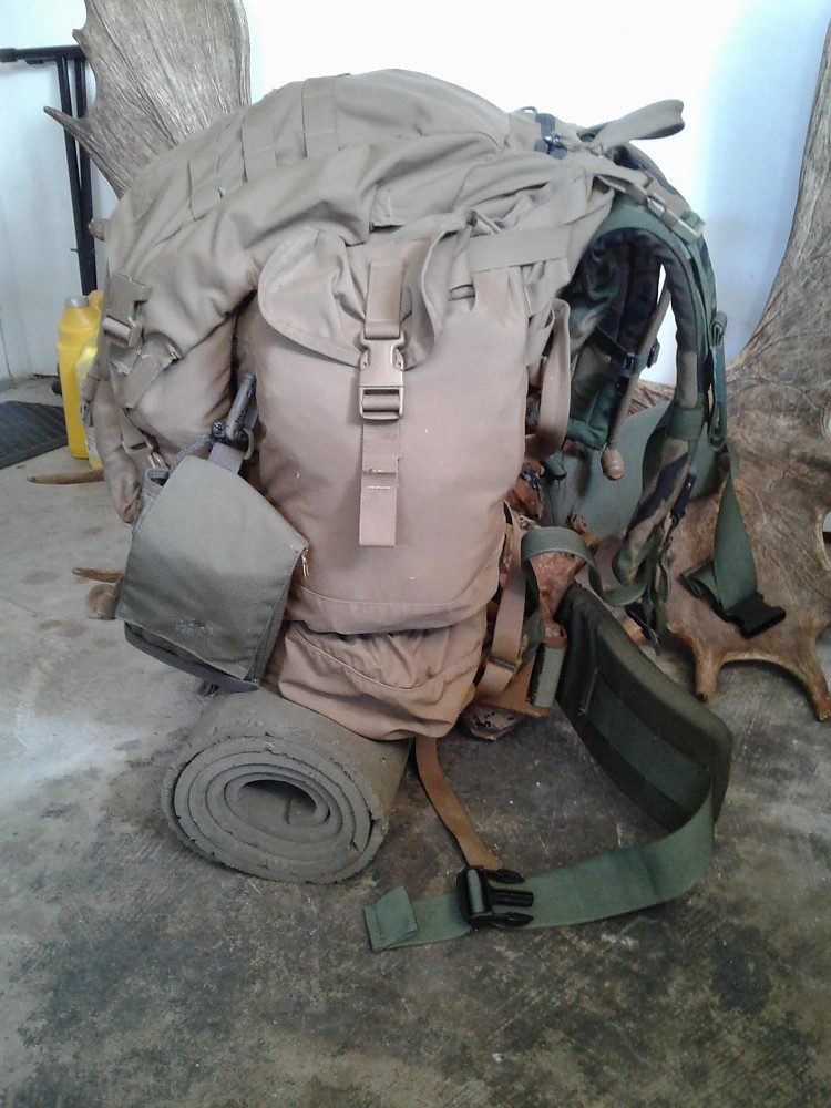 photo: U.S. Military ALICE Pack external frame backpack