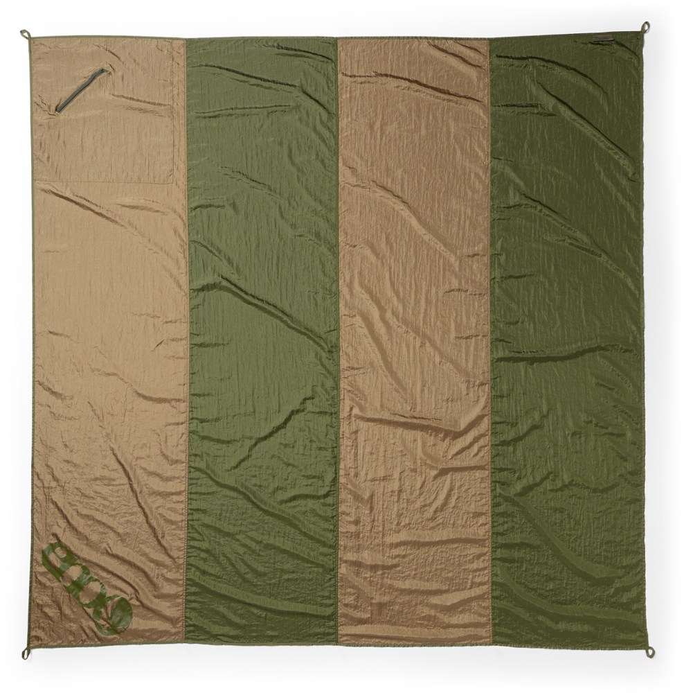 photo: Eagles Nest Outfitters Islander Blanket top quilt