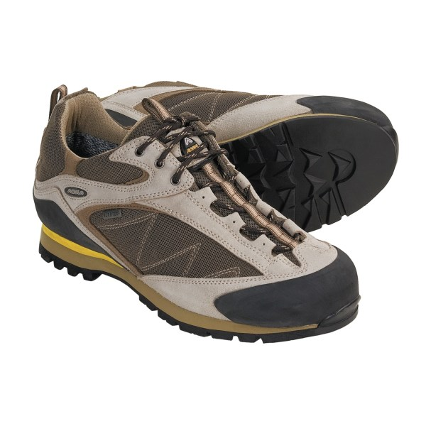 photo: Asolo Women's Boulder GV approach shoe