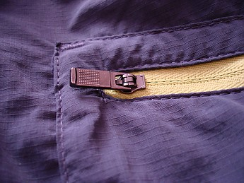 Zipper-detail_1-blue-.jpg