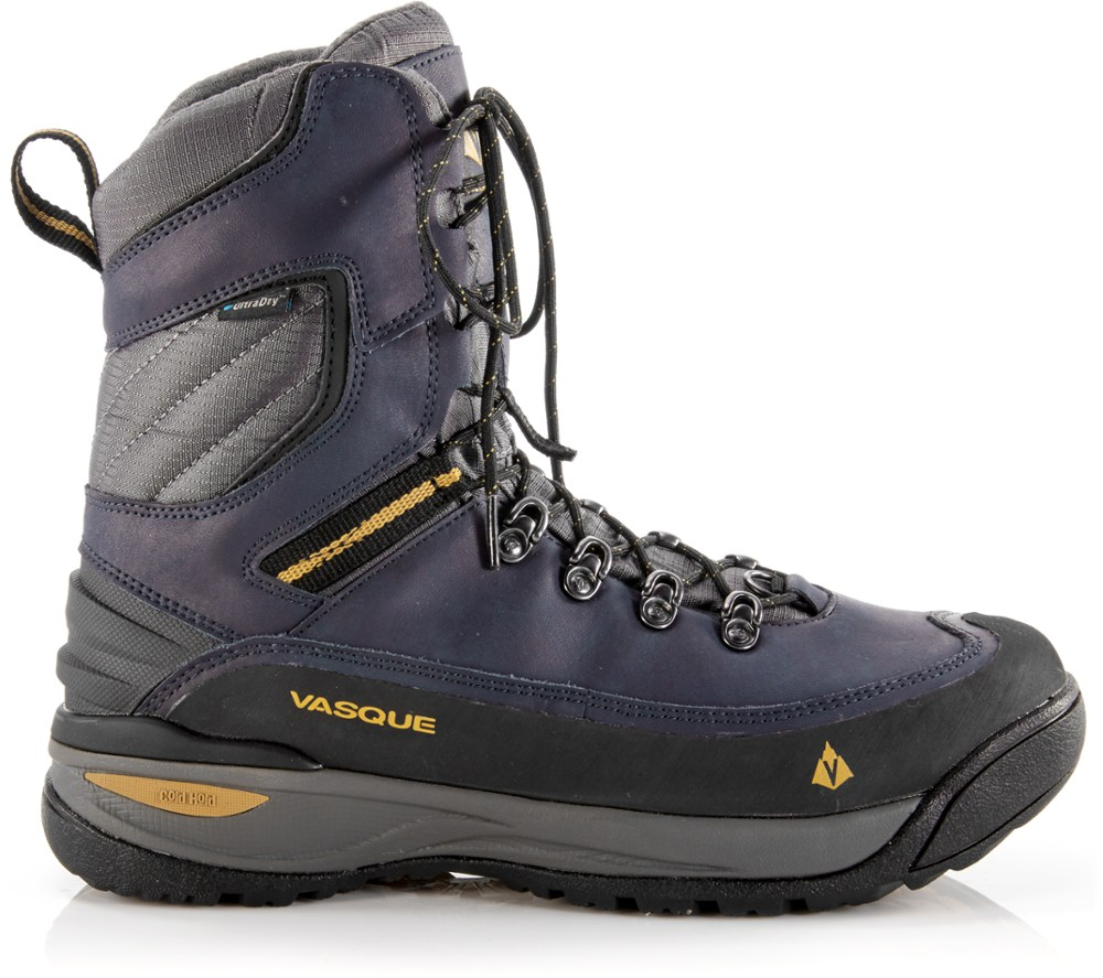 photo: Vasque Snowburban II UltraDry hiking boot
