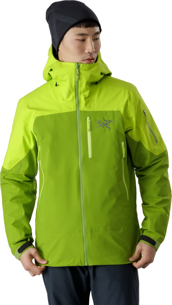 photo: Arc'teryx Sabre LT Jacket waterproof jacket