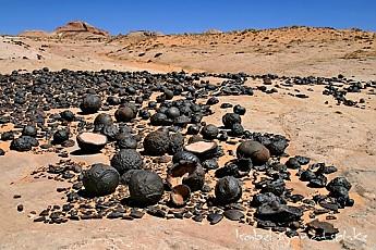 moqui-marbles-jpg_500.jpg