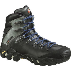 photo: Merrell Traverse backpacking boot