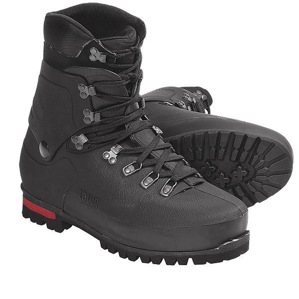 photo: Lowa Civetta GTX Extreme mountaineering boot