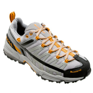 photo: La Sportiva Rajas trail running shoe